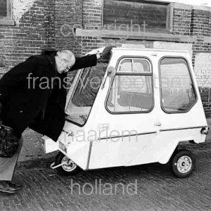 W.H.M. van den Hout Den Haag 1973